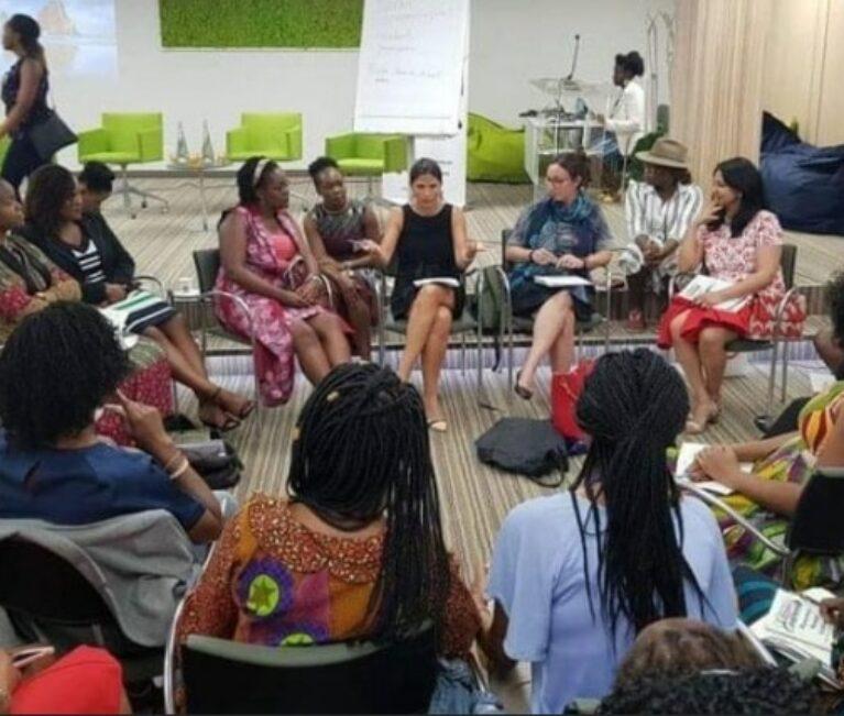 Phenomenal Women Global: Weibliche Führungskräfte nehmen es mit COVID-19 auf