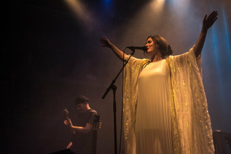 Interview: Singer, Songwriter & musician – Frida